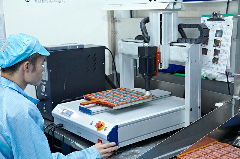 液态硅胶成型生产加工